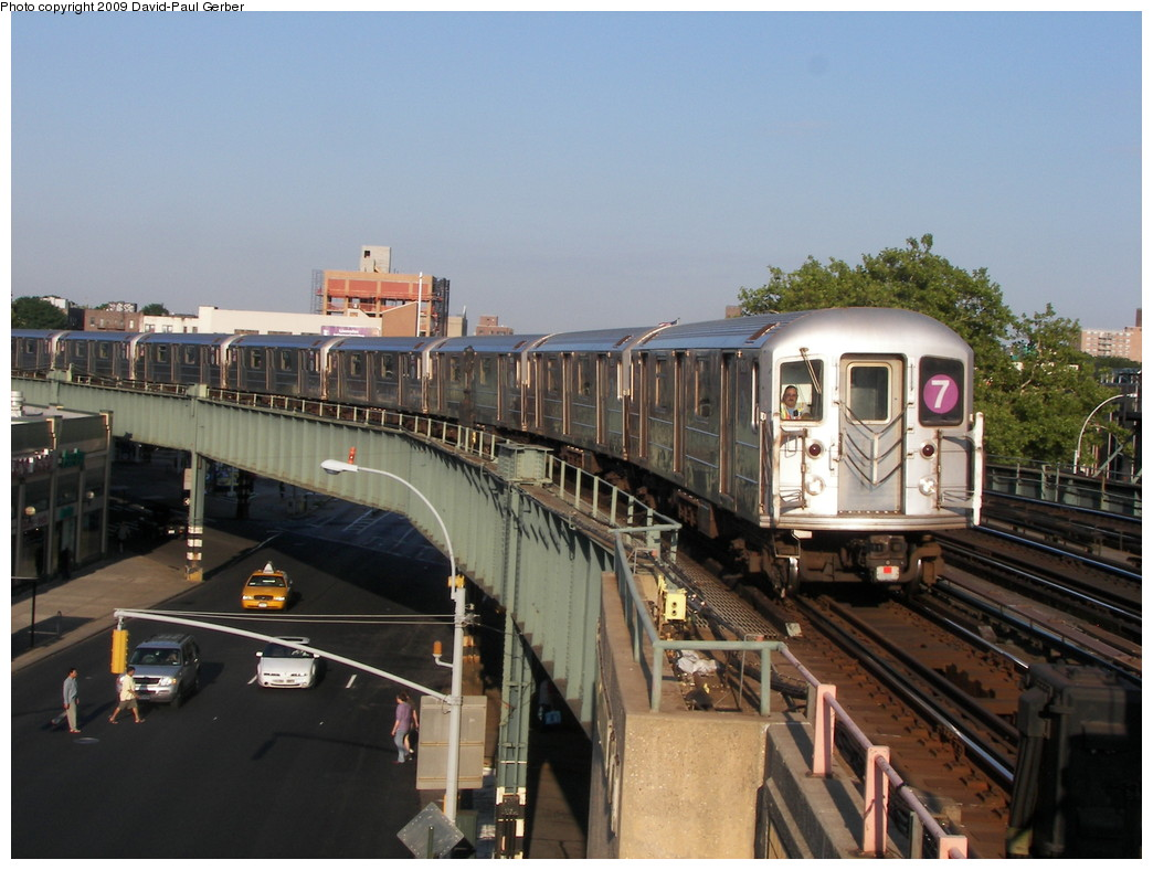 (254k, 1044x788)<br><b>Country:</b> United States<br><b>City:</b> New York<br><b>System:</b> New York City Transit<br><b>Line:</b> IRT Flushing Line<br><b>Location:</b> 46th Street/Bliss Street <br><b>Route:</b> 7<br><b>Car:</b> R-62A (Bombardier, 1984-1987)   <br><b>Photo by:</b> David-Paul Gerber<br><b>Date:</b> 8/1/2009<br><b>Viewed (this week/total):</b> 0 / 1479