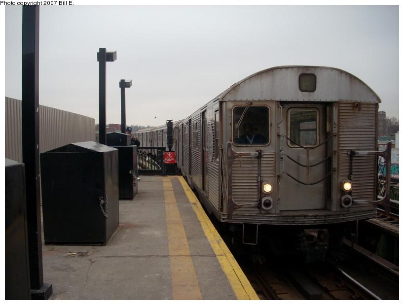 (132k, 819x619)<br><b>Country:</b> United States<br><b>City:</b> New York<br><b>System:</b> New York City Transit<br><b>Line:</b> BMT Culver Line<br><b>Location:</b> Ditmas Avenue <br><b>Route:</b> F<br><b>Car:</b> R-32 (Budd, 1964)  3503 <br><b>Photo by:</b> Bill E.<br><b>Date:</b> 12/22/2007<br><b>Viewed (this week/total):</b> 0 / 2205