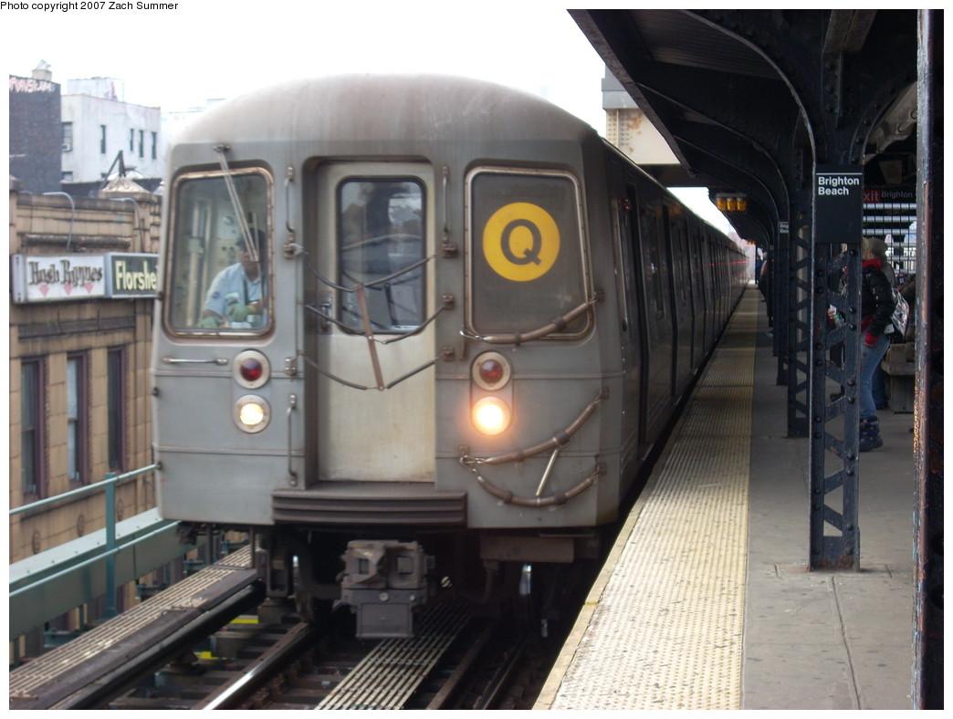(225k, 1044x788)<br><b>Country:</b> United States<br><b>City:</b> New York<br><b>System:</b> New York City Transit<br><b>Line:</b> BMT Brighton Line<br><b>Location:</b> Brighton Beach <br><b>Route:</b> Q<br><b>Car:</b> R-68A (Kawasaki, 1988-1989)   <br><b>Photo by:</b> Zach Summer<br><b>Date:</b> 12/11/2007<br><b>Viewed (this week/total):</b> 3 / 1608