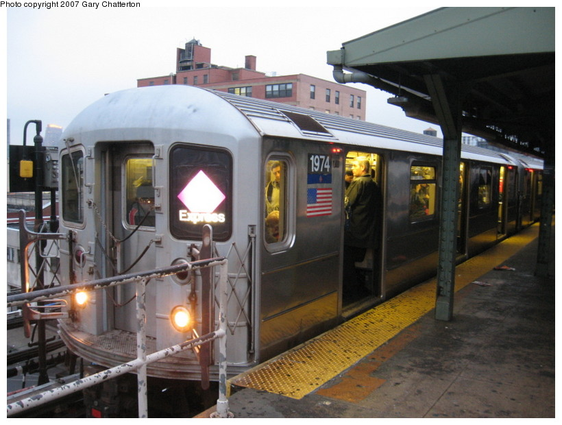 (135k, 820x620)<br><b>Country:</b> United States<br><b>City:</b> New York<br><b>System:</b> New York City Transit<br><b>Line:</b> IRT Flushing Line<br><b>Location:</b> Queensborough Plaza <br><b>Route:</b> 7<br><b>Car:</b> R-62A (Bombardier, 1984-1987)  1974 <br><b>Photo by:</b> Gary Chatterton<br><b>Date:</b> 11/26/2007<br><b>Viewed (this week/total):</b> 7 / 2644