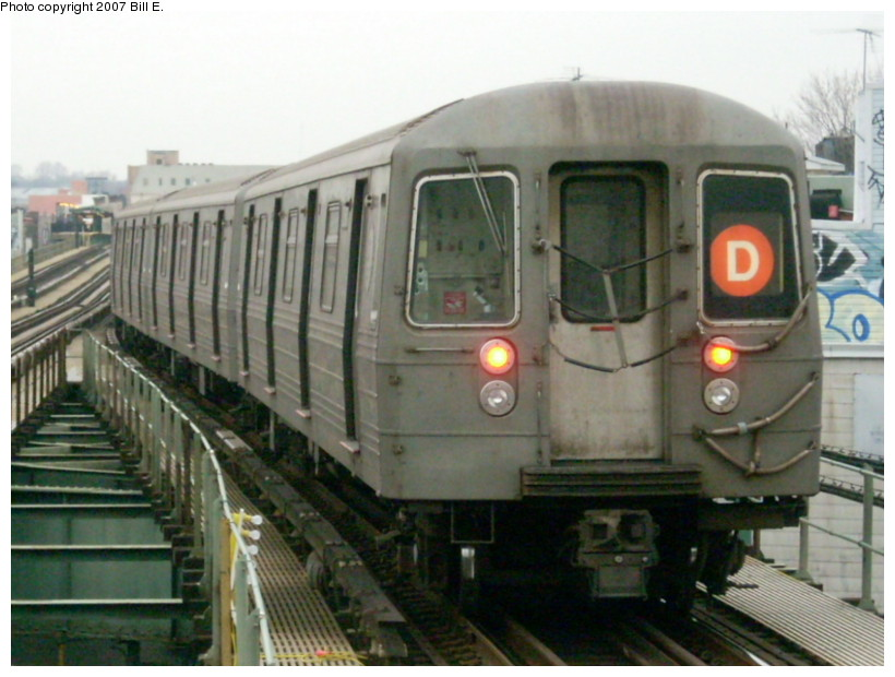 (155k, 820x620)<br><b>Country:</b> United States<br><b>City:</b> New York<br><b>System:</b> New York City Transit<br><b>Line:</b> BMT West End Line<br><b>Location:</b> 62nd Street <br><b>Route:</b> D<br><b>Car:</b> R-68 (Westinghouse-Amrail, 1986-1988)   <br><b>Photo by:</b> Bill E.<br><b>Date:</b> 12/22/2007<br><b>Viewed (this week/total):</b> 0 / 1554