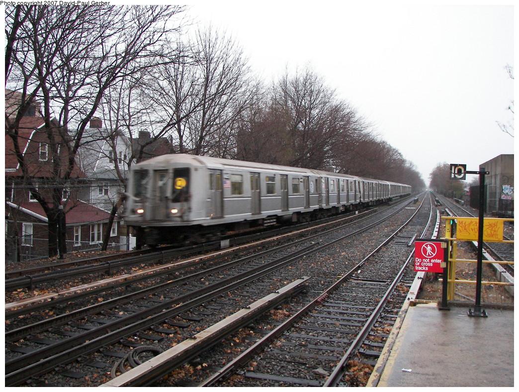 (374k, 1044x788)<br><b>Country:</b> United States<br><b>City:</b> New York<br><b>System:</b> New York City Transit<br><b>Line:</b> BMT Brighton Line<br><b>Location:</b> Kings Highway <br><b>Route:</b> Q<br><b>Car:</b> R-40 (St. Louis, 1968)   <br><b>Photo by:</b> David-Paul Gerber<br><b>Date:</b> 12/23/2007<br><b>Viewed (this week/total):</b> 0 / 2460