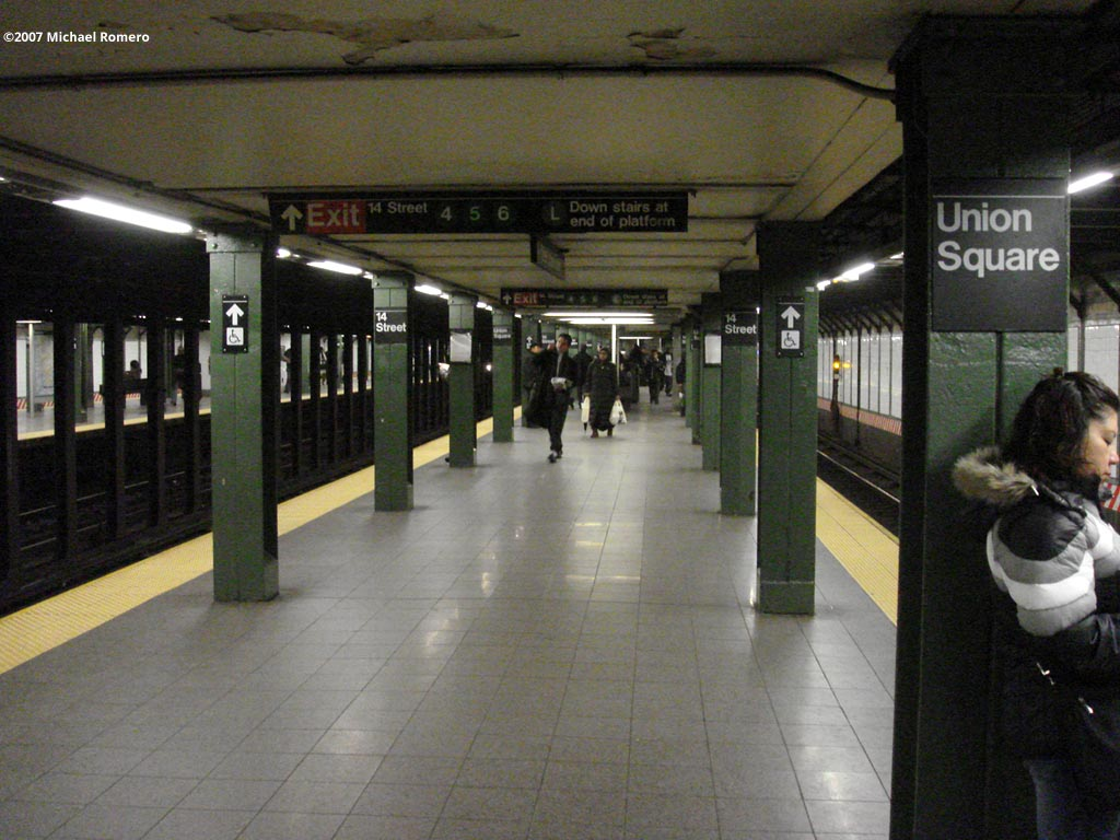 (144k, 1024x768)<br><b>Country:</b> United States<br><b>City:</b> New York<br><b>System:</b> New York City Transit<br><b>Line:</b> BMT Broadway Line<br><b>Location:</b> 14th Street/Union Square <br><b>Photo by:</b> Michael Romero<br><b>Date:</b> 12/27/2007<br><b>Notes:</b> Platform view.<br><b>Viewed (this week/total):</b> 0 / 2644