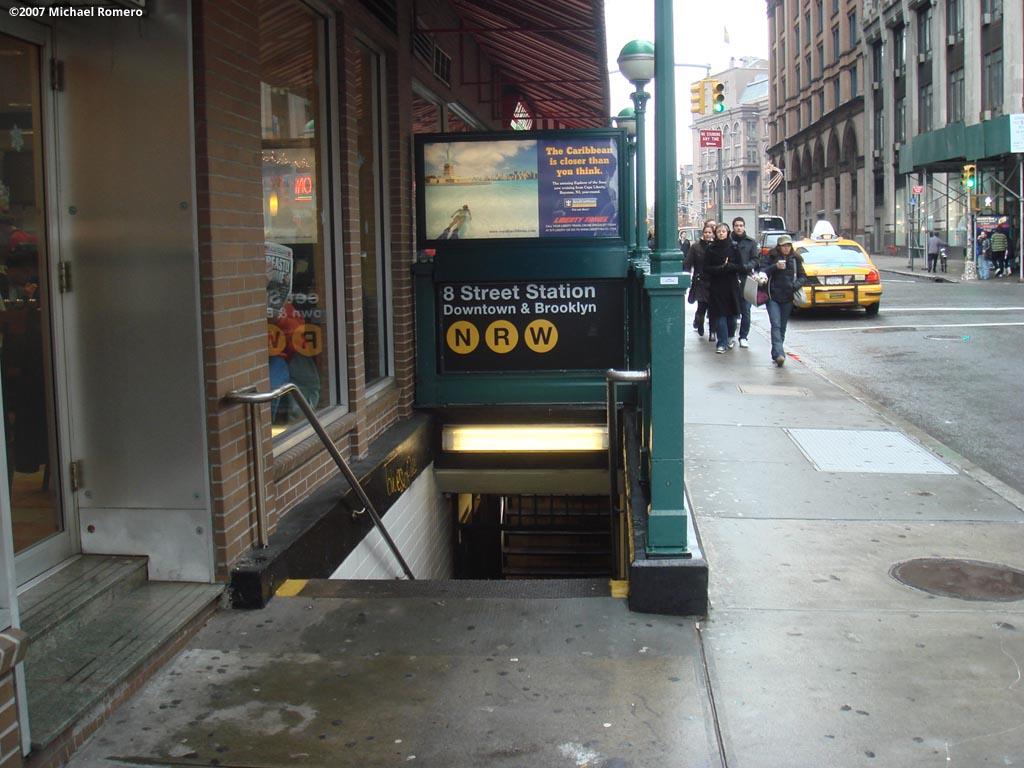 (141k, 1024x768)<br><b>Country:</b> United States<br><b>City:</b> New York<br><b>System:</b> New York City Transit<br><b>Line:</b> BMT Broadway Line<br><b>Location:</b> 8th Street <br><b>Photo by:</b> Michael Romero<br><b>Date:</b> 12/27/2007<br><b>Notes:</b> Station entrance- downtown side.<br><b>Viewed (this week/total):</b> 6 / 3068