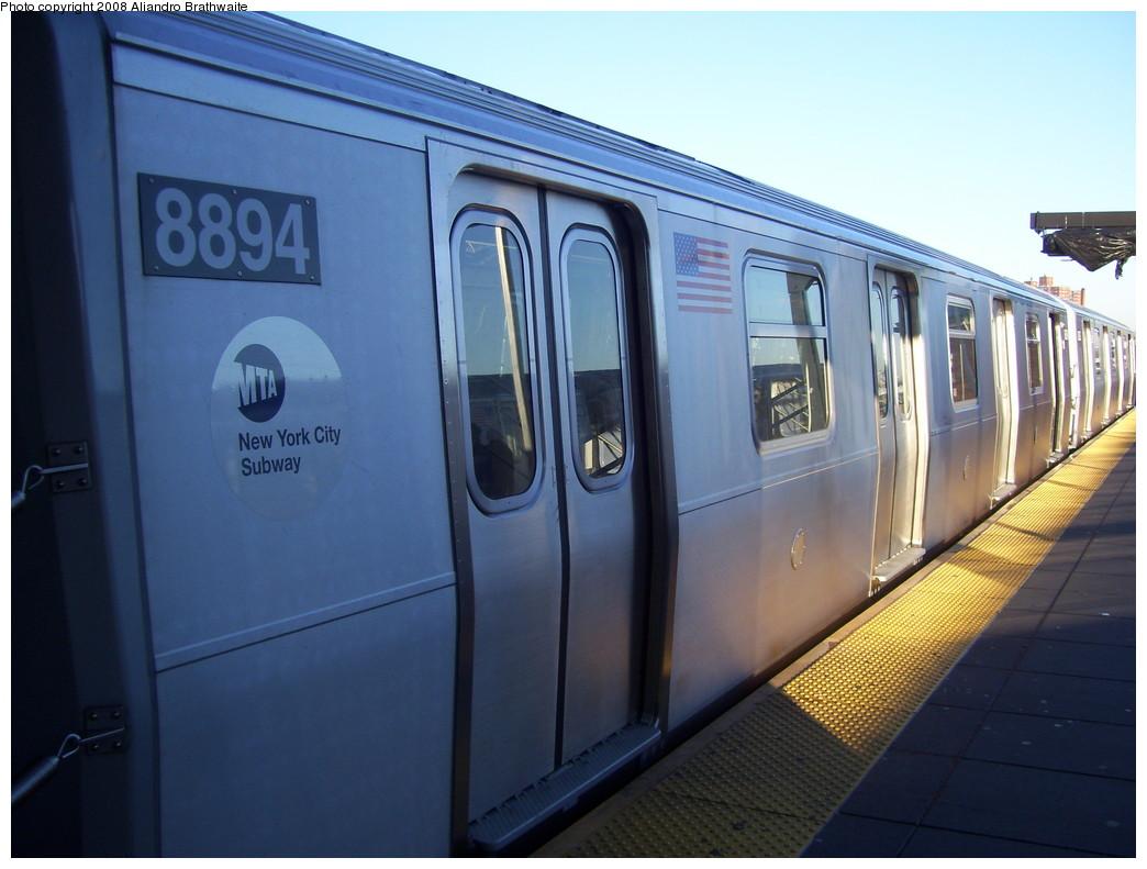 (191k, 1044x791)<br><b>Country:</b> United States<br><b>City:</b> New York<br><b>System:</b> New York City Transit<br><b>Location:</b> Coney Island/Stillwell Avenue<br><b>Route:</b> N<br><b>Car:</b> R-160B (Kawasaki, 2005-2008)  8894 <br><b>Photo by:</b> Aliandro Brathwaite<br><b>Date:</b> 12/24/2007<br><b>Viewed (this week/total):</b> 0 / 2154
