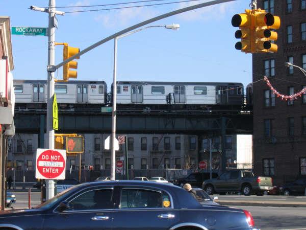 (43k, 600x450)<br><b>Country:</b> United States<br><b>City:</b> New York<br><b>System:</b> New York City Transit<br><b>Line:</b> IRT Brooklyn Line<br><b>Location:</b> E.98th St @ Kings Hwy <br><b>Route:</b> 3<br><b>Car:</b> R-62 (Kawasaki, 1983-1985)   <br><b>Photo by:</b> Professor J<br><b>Date:</b> 12/31/2007<br><b>Viewed (this week/total):</b> 0 / 1723