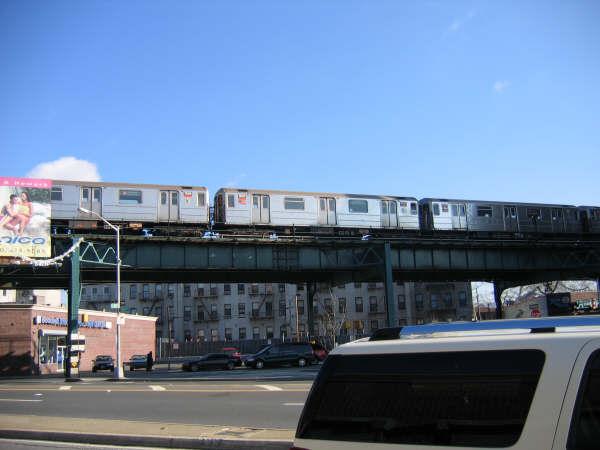 (33k, 600x450)<br><b>Country:</b> United States<br><b>City:</b> New York<br><b>System:</b> New York City Transit<br><b>Line:</b> IRT Brooklyn Line<br><b>Location:</b> E.98th St @ Kings Hwy <br><b>Route:</b> 3<br><b>Car:</b> R-62 (Kawasaki, 1983-1985)   <br><b>Photo by:</b> Professor J<br><b>Date:</b> 12/31/2007<br><b>Viewed (this week/total):</b> 0 / 1622