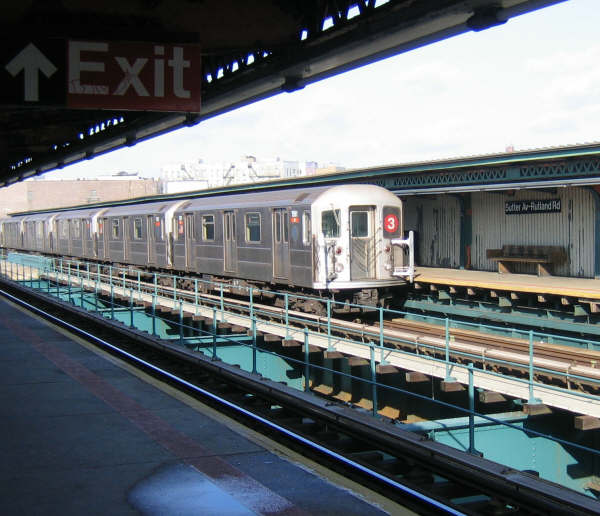 (53k, 600x516)<br><b>Country:</b> United States<br><b>City:</b> New York<br><b>System:</b> New York City Transit<br><b>Line:</b> IRT Brooklyn Line<br><b>Location:</b> Sutter Avenue/Rutland Road <br><b>Route:</b> 3<br><b>Car:</b> R-62 (Kawasaki, 1983-1985)   <br><b>Photo by:</b> Professor J<br><b>Date:</b> 12/31/2007<br><b>Viewed (this week/total):</b> 2 / 2301