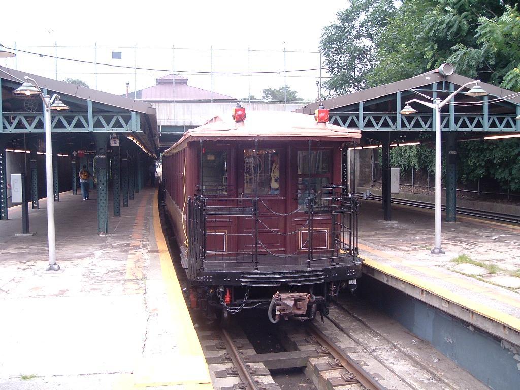 (145k, 1024x768)<br><b>Country:</b> United States<br><b>City:</b> New York<br><b>System:</b> New York City Transit<br><b>Line:</b> BMT West End Line<br><b>Location:</b> 9th Avenue <br><b>Route:</b> Fan Trip<br><b>Car:</b> BMT Elevated Gate Car 1404 <br><b>Photo by:</b> Chris Reidy<br><b>Date:</b> 7/18/2004<br><b>Viewed (this week/total):</b> 6 / 1547