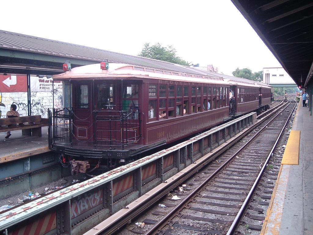(163k, 1024x768)<br><b>Country:</b> United States<br><b>City:</b> New York<br><b>System:</b> New York City Transit<br><b>Line:</b> BMT Brighton Line<br><b>Location:</b> Kings Highway <br><b>Route:</b> Fan Trip<br><b>Car:</b> BMT Elevated Gate Car 1404 <br><b>Photo by:</b> Chris Reidy<br><b>Date:</b> 7/18/2004<br><b>Viewed (this week/total):</b> 2 / 1364