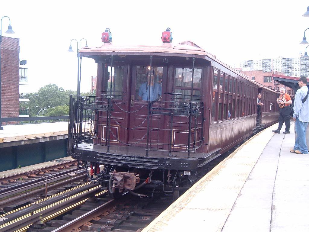 (128k, 1024x768)<br><b>Country:</b> United States<br><b>City:</b> New York<br><b>System:</b> New York City Transit<br><b>Line:</b> BMT Brighton Line<br><b>Location:</b> Ocean Parkway <br><b>Route:</b> Fan Trip<br><b>Car:</b> BMT Elevated Gate Car 1404 <br><b>Photo by:</b> Chris Reidy<br><b>Date:</b> 7/24/2004<br><b>Viewed (this week/total):</b> 0 / 1429