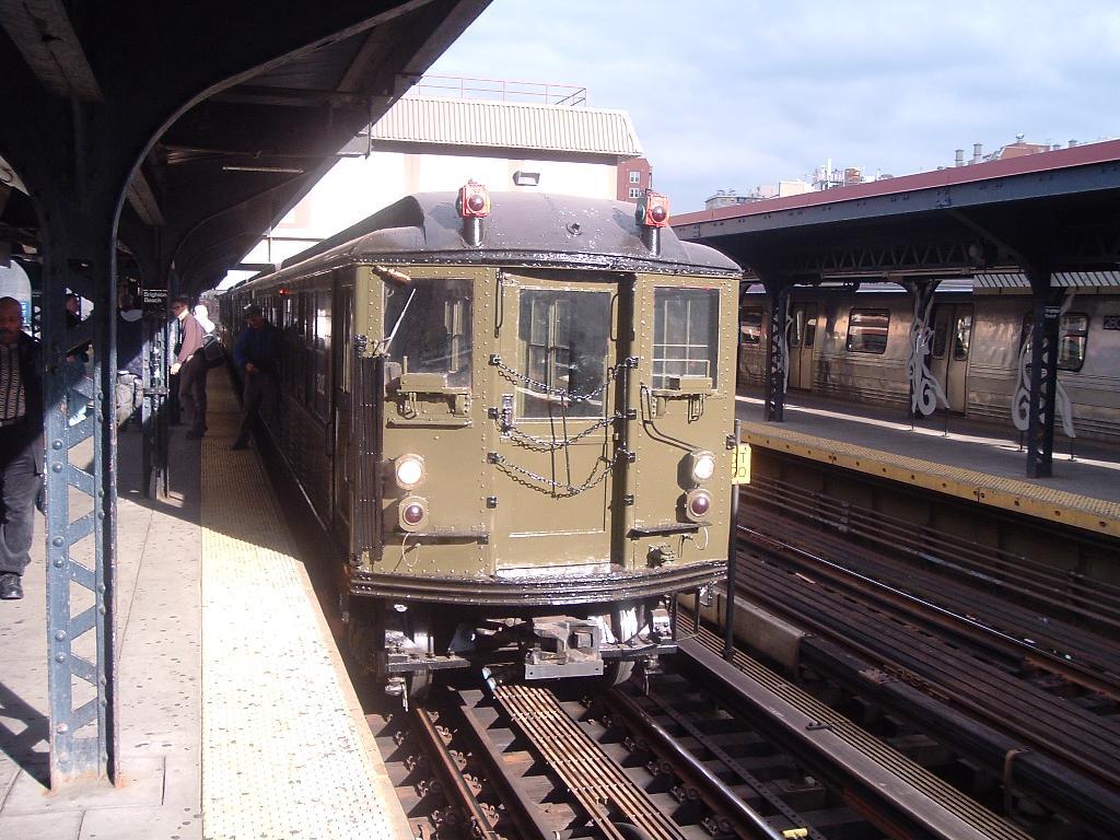(144k, 1024x768)<br><b>Country:</b> United States<br><b>City:</b> New York<br><b>System:</b> New York City Transit<br><b>Line:</b> BMT Brighton Line<br><b>Location:</b> Brighton Beach <br><b>Route:</b> Fan Trip<br><b>Car:</b> Low-V (Museum Train) 5292 <br><b>Photo by:</b> Chris Reidy<br><b>Date:</b> 10/23/2004<br><b>Viewed (this week/total):</b> 1 / 1355