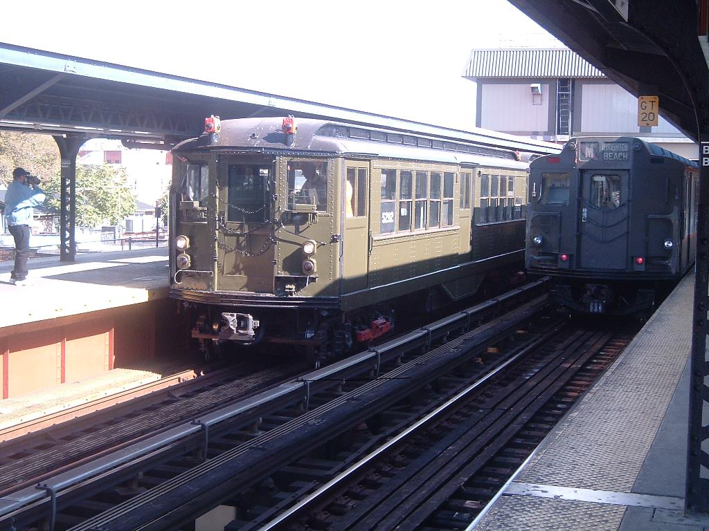(140k, 1024x768)<br><b>Country:</b> United States<br><b>City:</b> New York<br><b>System:</b> New York City Transit<br><b>Line:</b> BMT Brighton Line<br><b>Location:</b> Brighton Beach <br><b>Route:</b> Fan Trip<br><b>Car:</b> Low-V (Museum Train) 5292 <br><b>Photo by:</b> Chris Reidy<br><b>Date:</b> 10/23/2004<br><b>Viewed (this week/total):</b> 0 / 1351