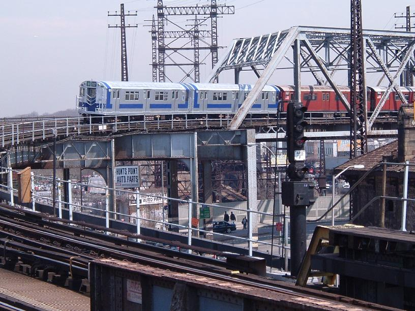 (123k, 816x612)<br><b>Country:</b> United States<br><b>City:</b> New York<br><b>System:</b> New York City Transit<br><b>Line:</b> IRT Pelham Line<br><b>Location:</b> Whitlock Avenue <br><b>Route:</b> Fan Trip<br><b>Car:</b> R-33 Main Line (St. Louis, 1962-63) 9010 <br><b>Photo by:</b> Chris Reidy<br><b>Date:</b> 4/17/2004<br><b>Viewed (this week/total):</b> 0 / 2158