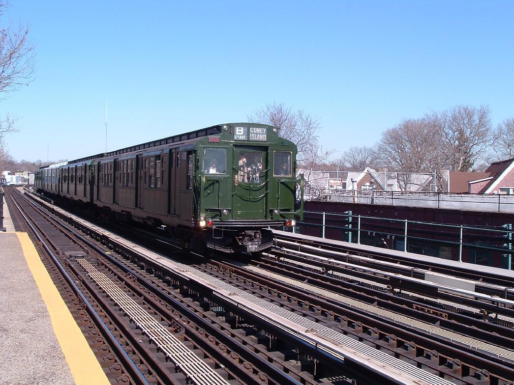 (172k, 1045x784)<br><b>Country:</b> United States<br><b>City:</b> New York<br><b>System:</b> New York City Transit<br><b>Line:</b> BMT West End Line<br><b>Location:</b> Fort Hamilton Parkway <br><b>Route:</b> Fan Trip<br><b>Car:</b> R-4 (American Car & Foundry, 1932-1933) 484 <br><b>Photo by:</b> Chris Reidy<br><b>Date:</b> 2/28/2004<br><b>Viewed (this week/total):</b> 1 / 1413
