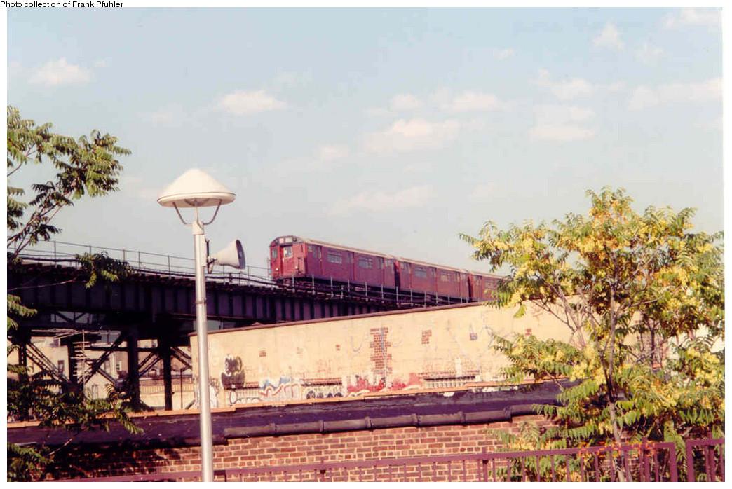 (228k, 1044x698)<br><b>Country:</b> United States<br><b>City:</b> New York<br><b>System:</b> New York City Transit<br><b>Line:</b> IRT Flushing Line<br><b>Location:</b> 61st Street/Woodside <br><b>Collection of:</b> Frank Pfuhler<br><b>Date:</b> 8/29/1999<br><b>Viewed (this week/total):</b> 3 / 1388