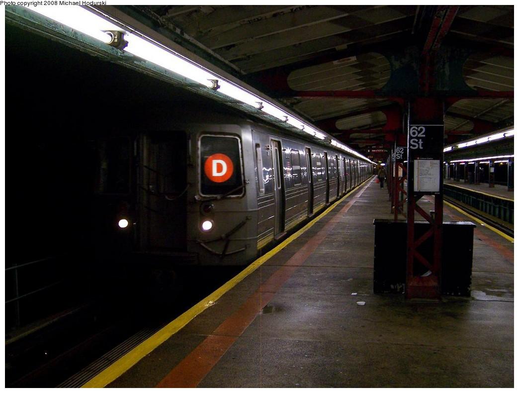 (183k, 1044x790)<br><b>Country:</b> United States<br><b>City:</b> New York<br><b>System:</b> New York City Transit<br><b>Line:</b> BMT West End Line<br><b>Location:</b> 62nd Street <br><b>Route:</b> D<br><b>Car:</b> R-68 (Westinghouse-Amrail, 1986-1988)  2702 <br><b>Photo by:</b> Michael Hodurski<br><b>Date:</b> 10/11/2007<br><b>Viewed (this week/total):</b> 0 / 1932