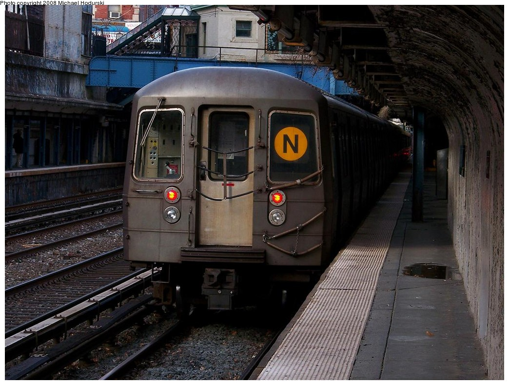 (247k, 1044x790)<br><b>Country:</b> United States<br><b>City:</b> New York<br><b>System:</b> New York City Transit<br><b>Line:</b> BMT Brighton Line<br><b>Location:</b> Cortelyou Road <br><b>Route:</b> N<br><b>Car:</b> R-68 (Westinghouse-Amrail, 1986-1988)  2892 <br><b>Photo by:</b> Michael Hodurski<br><b>Date:</b> 12/24/2007<br><b>Viewed (this week/total):</b> 3 / 2264