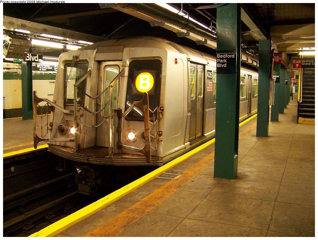 (247k, 1044x790)<br><b>Country:</b> United States<br><b>City:</b> New York<br><b>System:</b> New York City Transit<br><b>Line:</b> IND Concourse Line<br><b>Location:</b> Bedford Park Boulevard <br><b>Route:</b> B<br><b>Car:</b> R-40 (St. Louis, 1968)  4335 <br><b>Photo by:</b> Michael Hodurski<br><b>Date:</b> 10/26/2007<br><b>Viewed (this week/total):</b> 0 / 2438