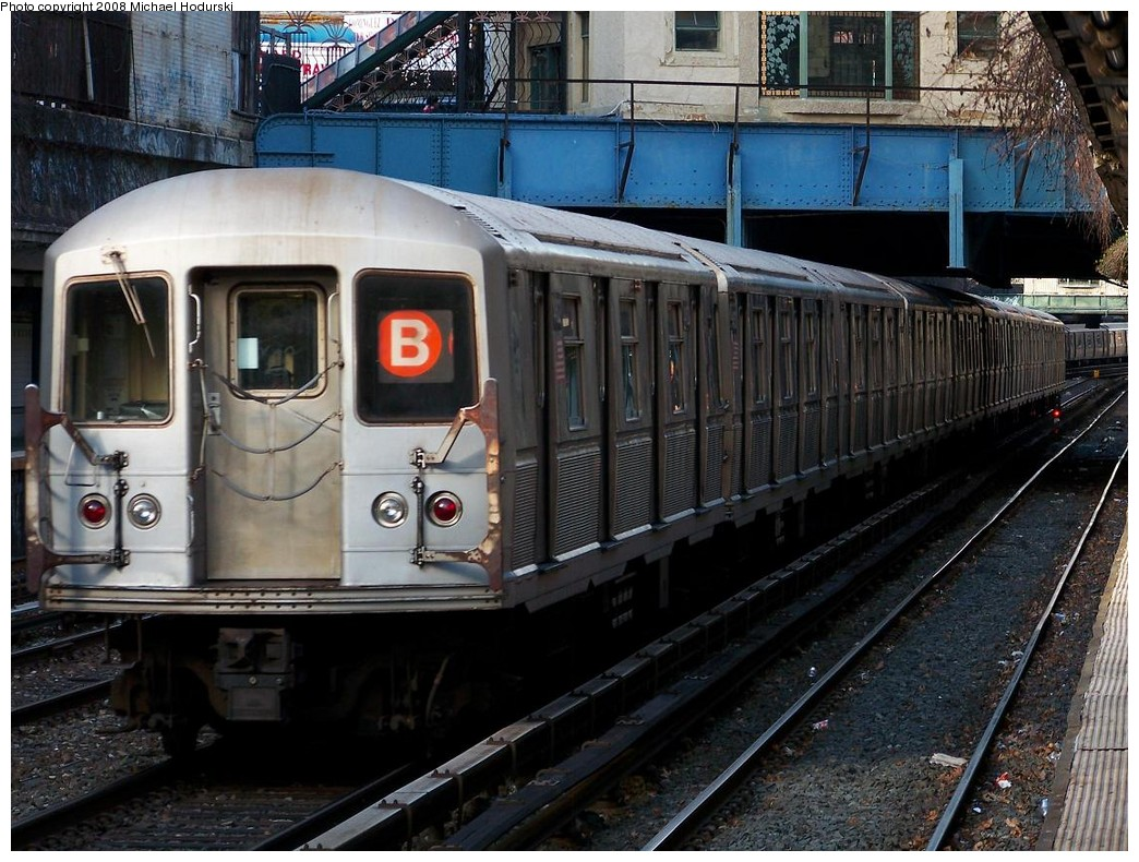 (251k, 1044x790)<br><b>Country:</b> United States<br><b>City:</b> New York<br><b>System:</b> New York City Transit<br><b>Line:</b> BMT Brighton Line<br><b>Location:</b> Cortelyou Road <br><b>Route:</b> B<br><b>Car:</b> R-40M (St. Louis, 1969)  4462 <br><b>Photo by:</b> Michael Hodurski<br><b>Date:</b> 12/24/2007<br><b>Viewed (this week/total):</b> 0 / 2120
