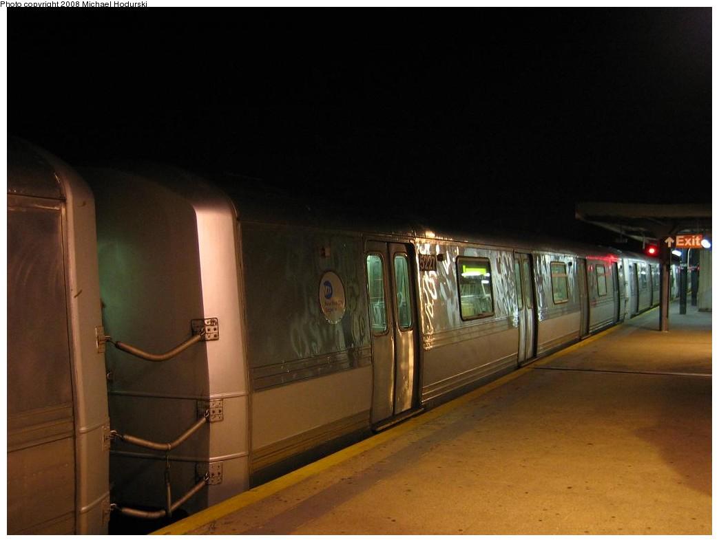 (136k, 1044x788)<br><b>Country:</b> United States<br><b>City:</b> New York<br><b>System:</b> New York City Transit<br><b>Line:</b> IND Rockaway<br><b>Location:</b> Mott Avenue/Far Rockaway <br><b>Route:</b> A<br><b>Car:</b> R-44 (St. Louis, 1971-73) 5227 <br><b>Photo by:</b> Michael Hodurski<br><b>Date:</b> 1/1/2008<br><b>Viewed (this week/total):</b> 2 / 1887