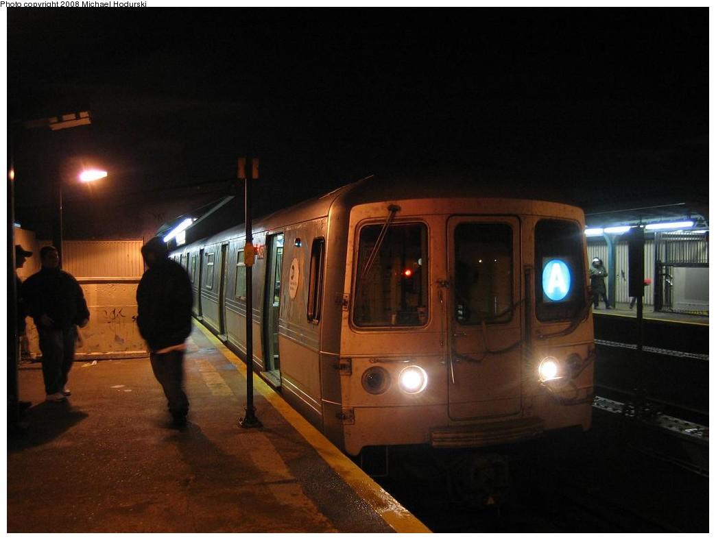 (151k, 1044x788)<br><b>Country:</b> United States<br><b>City:</b> New York<br><b>System:</b> New York City Transit<br><b>Line:</b> IND Fulton Street Line<br><b>Location:</b> Rockaway Boulevard <br><b>Route:</b> A<br><b>Car:</b> R-44 (St. Louis, 1971-73) 5452 <br><b>Photo by:</b> Michael Hodurski<br><b>Date:</b> 1/1/2008<br><b>Viewed (this week/total):</b> 2 / 1837