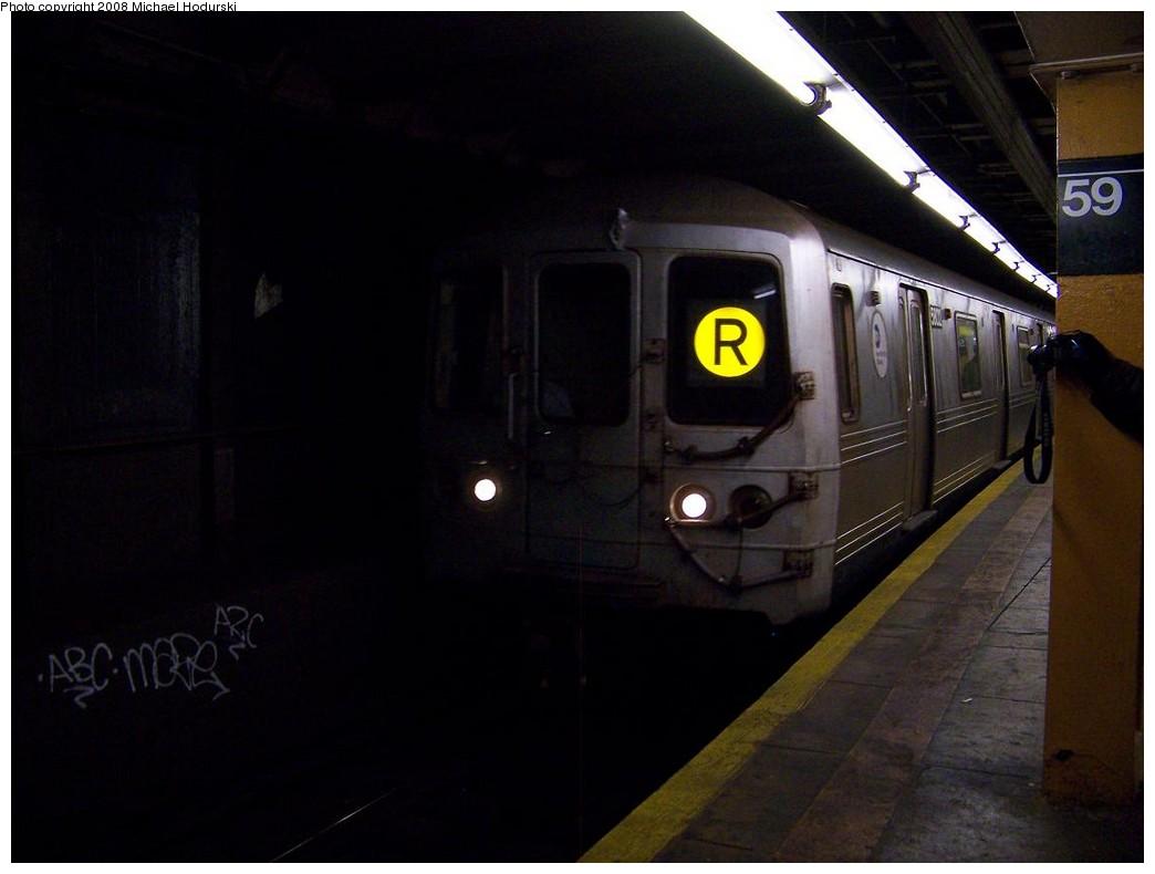 (134k, 1044x790)<br><b>Country:</b> United States<br><b>City:</b> New York<br><b>System:</b> New York City Transit<br><b>Line:</b> BMT Broadway Line<br><b>Location:</b> Lexington Avenue (59th Street) <br><b>Route:</b> R<br><b>Car:</b> R-46 (Pullman-Standard, 1974-75) 5802 <br><b>Photo by:</b> Michael Hodurski<br><b>Date:</b> 12/16/2007<br><b>Viewed (this week/total):</b> 1 / 3024
