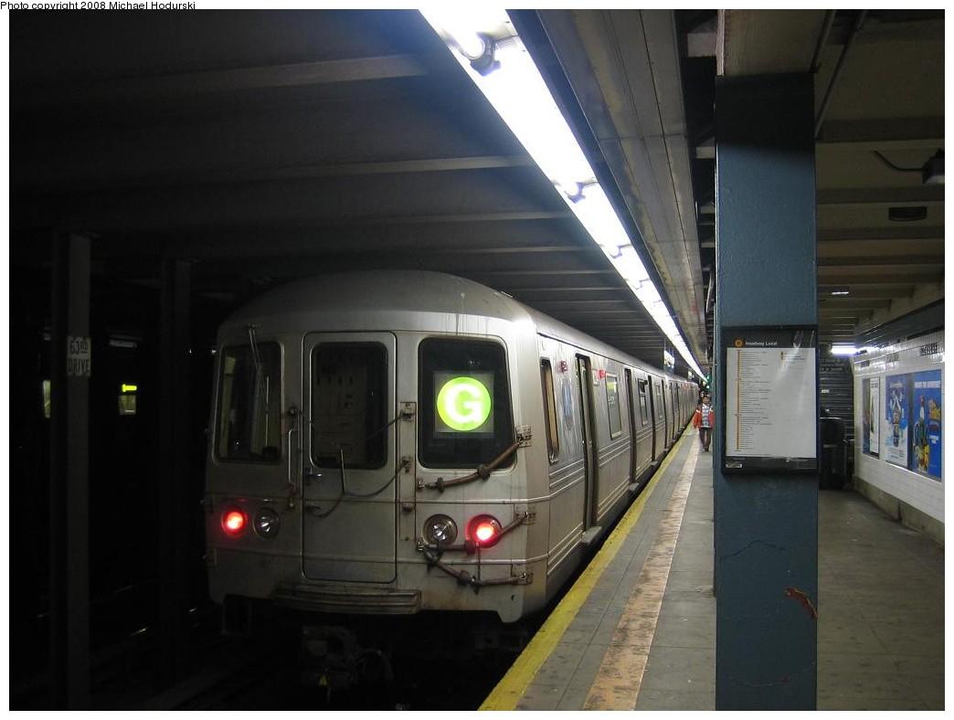 (149k, 1044x788)<br><b>Country:</b> United States<br><b>City:</b> New York<br><b>System:</b> New York City Transit<br><b>Line:</b> IND Queens Boulevard Line<br><b>Location:</b> 63rd Drive/Rego Park <br><b>Route:</b> G<br><b>Car:</b> R-46 (Pullman-Standard, 1974-75) 6224 <br><b>Photo by:</b> Michael Hodurski<br><b>Date:</b> 1/1/2008<br><b>Viewed (this week/total):</b> 1 / 2282