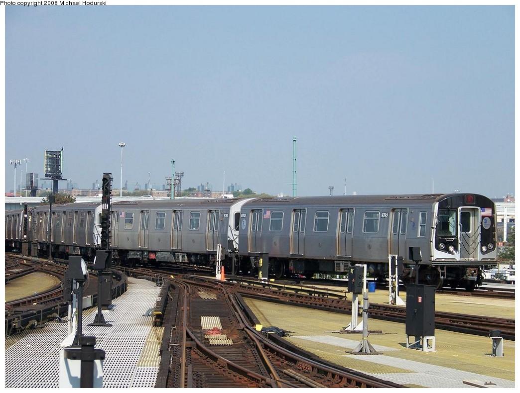 (218k, 1044x790)<br><b>Country:</b> United States<br><b>City:</b> New York<br><b>System:</b> New York City Transit<br><b>Location:</b> Coney Island/Stillwell Avenue<br><b>Route:</b> N<br><b>Car:</b> R-160B (Kawasaki, 2005-2008)  8782 <br><b>Photo by:</b> Michael Hodurski<br><b>Date:</b> 10/6/2007<br><b>Viewed (this week/total):</b> 4 / 1782