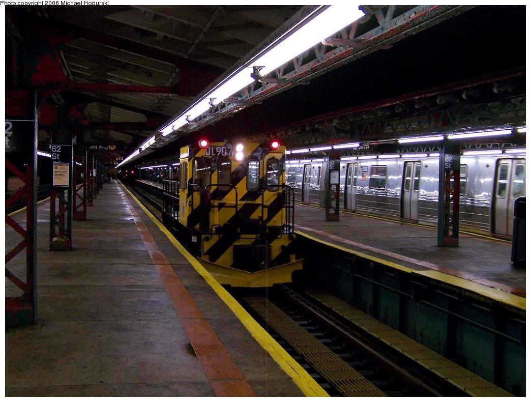 (223k, 1044x790)<br><b>Country:</b> United States<br><b>City:</b> New York<br><b>System:</b> New York City Transit<br><b>Line:</b> BMT West End Line<br><b>Location:</b> 62nd Street <br><b>Route:</b> Work Service<br><b>Car:</b> R-120 Locomotive  907 <br><b>Photo by:</b> Michael Hodurski<br><b>Date:</b> 10/11/2007<br><b>Viewed (this week/total):</b> 1 / 1650