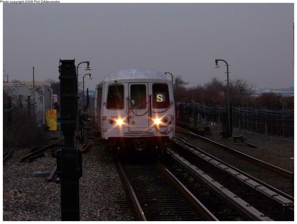 (178k, 1044x788)<br><b>Country:</b> United States<br><b>City:</b> New York<br><b>System:</b> New York City Transit<br><b>Line:</b> IND Rockaway<br><b>Location:</b> Broad Channel <br><b>Route:</b> S<br><b>Car:</b> R-44 (St. Louis, 1971-73) 5472 <br><b>Photo by:</b> Philip D'Allesandro<br><b>Date:</b> 12/28/2007<br><b>Viewed (this week/total):</b> 0 / 2004