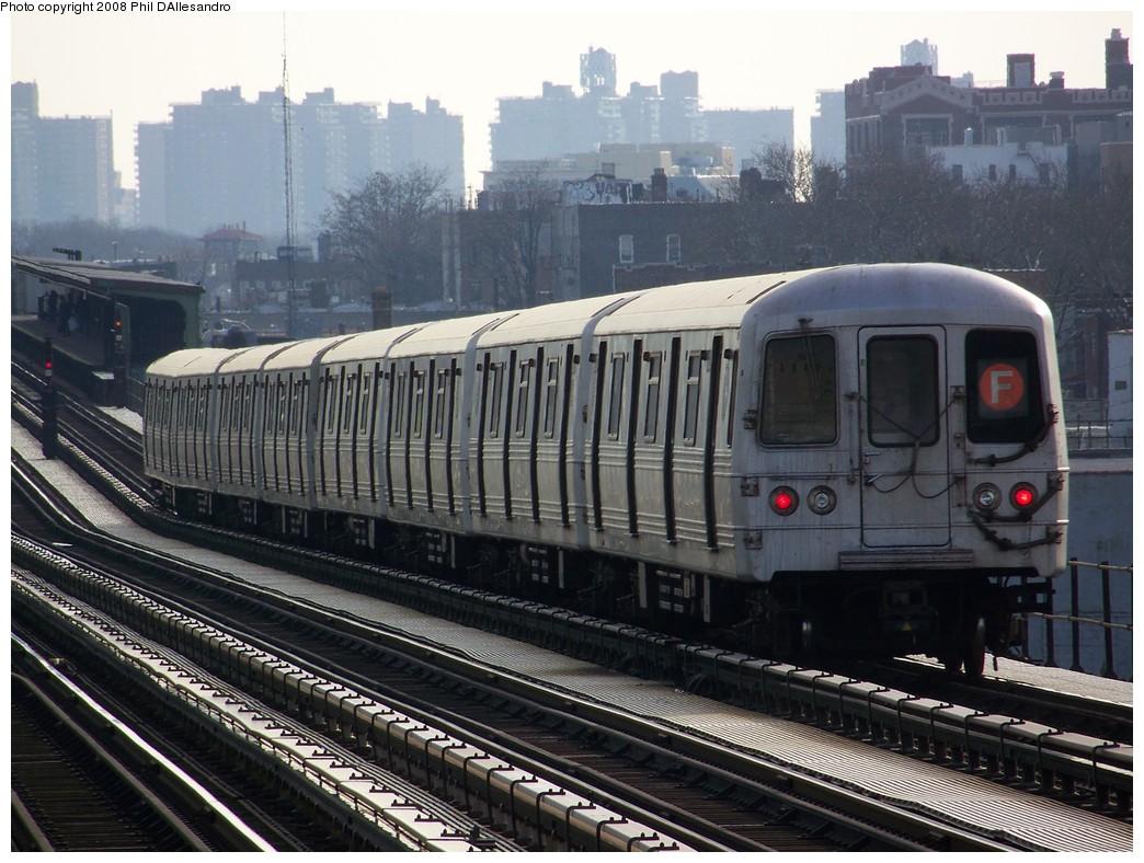 (238k, 1044x788)<br><b>Country:</b> United States<br><b>City:</b> New York<br><b>System:</b> New York City Transit<br><b>Line:</b> BMT Culver Line<br><b>Location:</b> Bay Parkway (22nd Avenue) <br><b>Route:</b> F<br><b>Car:</b> R-46 (Pullman-Standard, 1974-75) 6192 <br><b>Photo by:</b> Philip D'Allesandro<br><b>Date:</b> 12/28/2007<br><b>Viewed (this week/total):</b> 1 / 1802