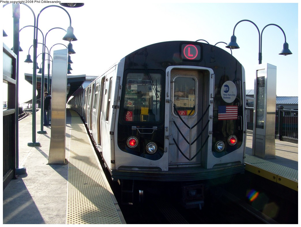 (198k, 1044x788)<br><b>Country:</b> United States<br><b>City:</b> New York<br><b>System:</b> New York City Transit<br><b>Line:</b> BMT Canarsie Line<br><b>Location:</b> Broadway Junction <br><b>Route:</b> L<br><b>Car:</b> R-143 (Kawasaki, 2001-2002) 8184 <br><b>Photo by:</b> Philip D'Allesandro<br><b>Date:</b> 12/28/2007<br><b>Viewed (this week/total):</b> 1 / 2047