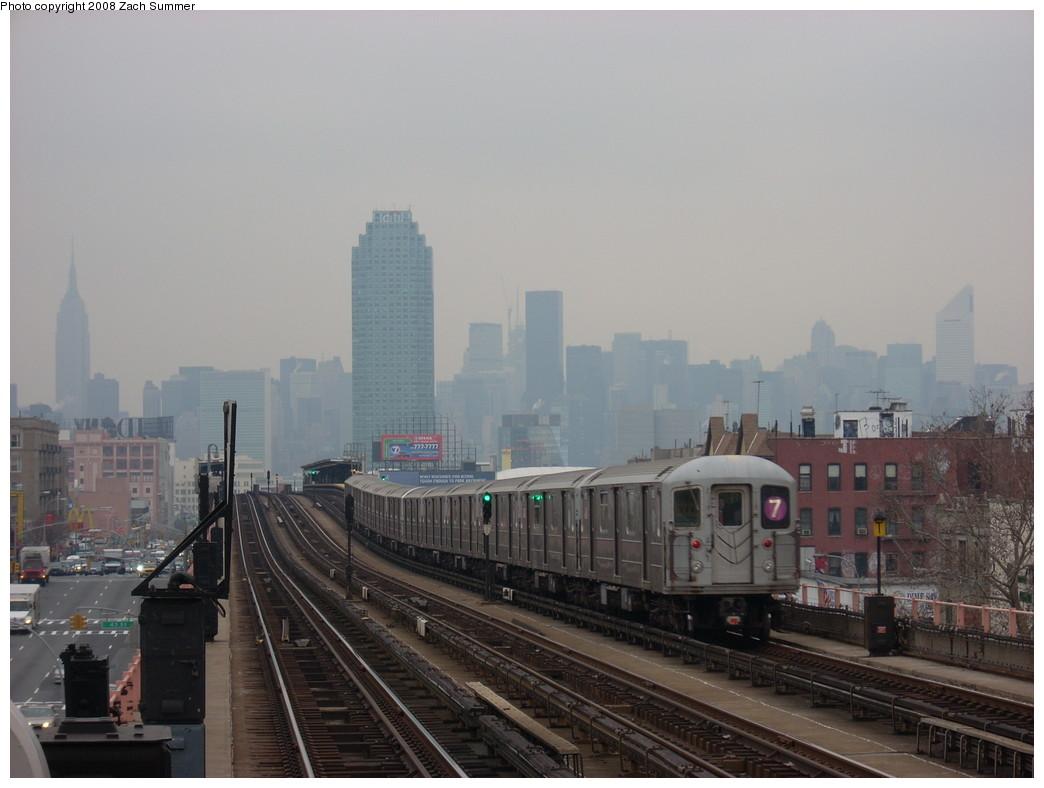 (199k, 1044x788)<br><b>Country:</b> United States<br><b>City:</b> New York<br><b>System:</b> New York City Transit<br><b>Line:</b> IRT Flushing Line<br><b>Location:</b> 46th Street/Bliss Street <br><b>Route:</b> 7<br><b>Car:</b> R-62A (Bombardier, 1984-1987)   <br><b>Photo by:</b> Zach Summer<br><b>Date:</b> 12/11/2007<br><b>Viewed (this week/total):</b> 0 / 1421