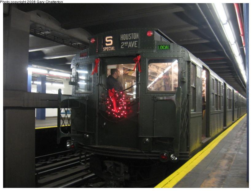 (122k, 820x620)<br><b>Country:</b> United States<br><b>City:</b> New York<br><b>System:</b> New York City Transit<br><b>Line:</b> IND 6th Avenue Line<br><b>Location:</b> 2nd Avenue <br><b>Route:</b> Museum Train Service (V)<br><b>Car:</b> R-1 (American Car & Foundry, 1930-1931) 100 <br><b>Photo by:</b> Gary Chatterton<br><b>Date:</b> 12/23/2007<br><b>Notes:</b> Regular-service Nostalgia Train.<br><b>Viewed (this week/total):</b> 0 / 1549