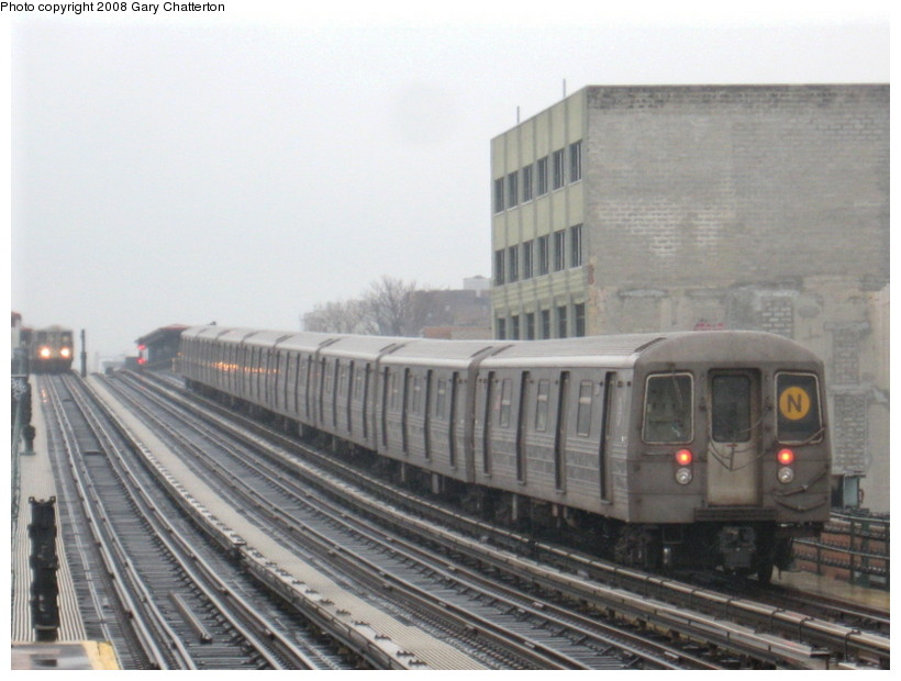 (117k, 820x620)<br><b>Country:</b> United States<br><b>City:</b> New York<br><b>System:</b> New York City Transit<br><b>Line:</b> BMT Astoria Line<br><b>Location:</b> 39th/Beebe Aves. <br><b>Route:</b> N<br><b>Car:</b> R-68 (Westinghouse-Amrail, 1986-1988)  2848 <br><b>Photo by:</b> Gary Chatterton<br><b>Date:</b> 12/27/2007<br><b>Viewed (this week/total):</b> 2 / 2056