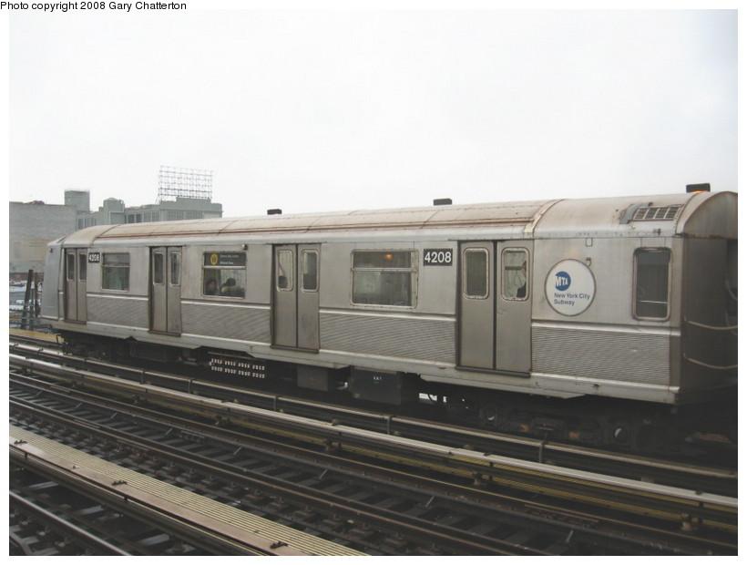 (99k, 820x620)<br><b>Country:</b> United States<br><b>City:</b> New York<br><b>System:</b> New York City Transit<br><b>Line:</b> BMT Astoria Line<br><b>Location:</b> 39th/Beebe Aves. <br><b>Route:</b> W<br><b>Car:</b> R-40 (St. Louis, 1968)  4208 <br><b>Photo by:</b> Gary Chatterton<br><b>Date:</b> 12/27/2007<br><b>Viewed (this week/total):</b> 0 / 1437