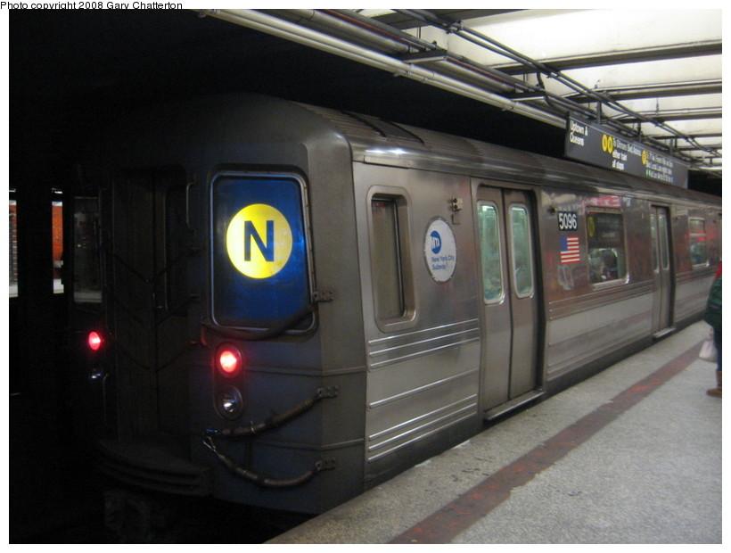 (116k, 820x620)<br><b>Country:</b> United States<br><b>City:</b> New York<br><b>System:</b> New York City Transit<br><b>Line:</b> BMT Broadway Line<br><b>Location:</b> 49th Street <br><b>Route:</b> N<br><b>Car:</b> R-68A (Kawasaki, 1988-1989)  5096 <br><b>Photo by:</b> Gary Chatterton<br><b>Date:</b> 12/28/2007<br><b>Viewed (this week/total):</b> 0 / 2560