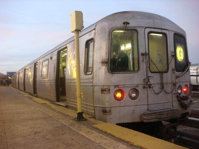 (96k, 640x480)<br><b>Country:</b> United States<br><b>City:</b> New York<br><b>System:</b> New York City Transit<br><b>Line:</b> IND Crosstown Line<br><b>Location:</b> Smith/9th Street <br><b>Route:</b> G<br><b>Car:</b> R-46 (Pullman-Standard, 1974-75) 6230 <br><b>Photo by:</b> Danny Molina<br><b>Date:</b> 1/9/2008<br><b>Viewed (this week/total):</b> 0 / 1967