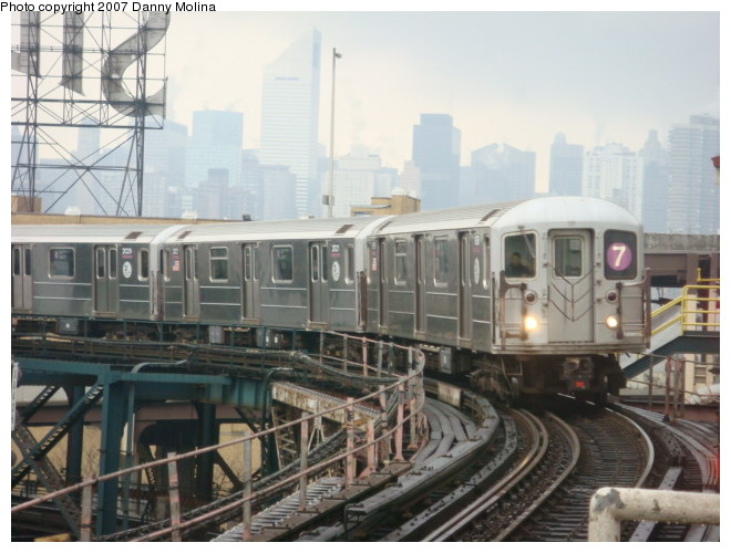 (103k, 660x500)<br><b>Country:</b> United States<br><b>City:</b> New York<br><b>System:</b> New York City Transit<br><b>Line:</b> IRT Flushing Line<br><b>Location:</b> Queensborough Plaza <br><b>Route:</b> 7<br><b>Car:</b> R-62A (Bombardier, 1984-1987)  1820 <br><b>Photo by:</b> Danny Molina<br><b>Date:</b> 12/28/2007<br><b>Viewed (this week/total):</b> 1 / 1603
