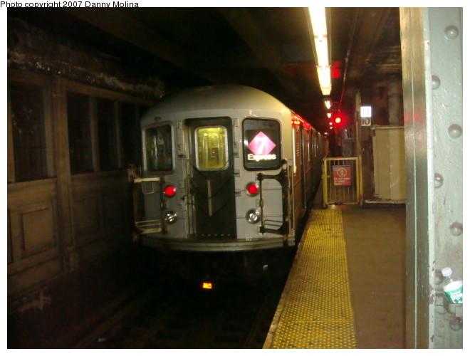 (87k, 660x500)<br><b>Country:</b> United States<br><b>City:</b> New York<br><b>System:</b> New York City Transit<br><b>Line:</b> IRT Flushing Line<br><b>Location:</b> Queensborough Plaza <br><b>Route:</b> 7<br><b>Car:</b> R-62A (Bombardier, 1984-1987)  1820 <br><b>Photo by:</b> Danny Molina<br><b>Date:</b> 12/27/2007<br><b>Viewed (this week/total):</b> 0 / 1834