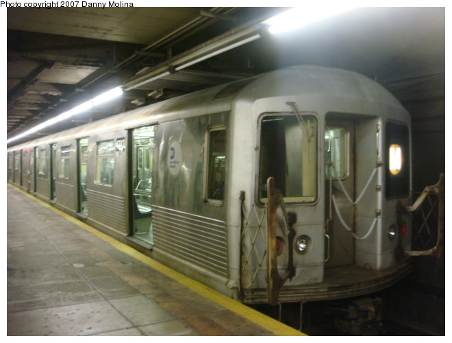 (86k, 660x500)<br><b>Country:</b> United States<br><b>City:</b> New York<br><b>System:</b> New York City Transit<br><b>Line:</b> BMT Broadway Line<br><b>Location:</b> Jay St./Metrotech (Lawrence St.) <br><b>Route:</b> M<br><b>Car:</b> R-42 (St. Louis, 1969-1970)  4762 <br><b>Photo by:</b> Danny Molina<br><b>Date:</b> 12/27/2007<br><b>Viewed (this week/total):</b> 2 / 2768