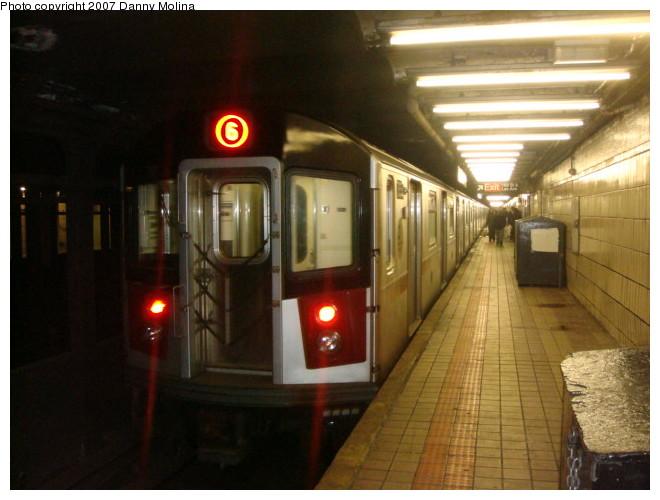 (94k, 660x500)<br><b>Country:</b> United States<br><b>City:</b> New York<br><b>System:</b> New York City Transit<br><b>Line:</b> IRT East Side Line<br><b>Location:</b> 68th Street <br><b>Route:</b> 6<br><b>Car:</b> R-142A (Primary Order, Kawasaki, 1999-2002)  7320 <br><b>Photo by:</b> Danny Molina<br><b>Date:</b> 12/27/2007<br><b>Viewed (this week/total):</b> 4 / 3301