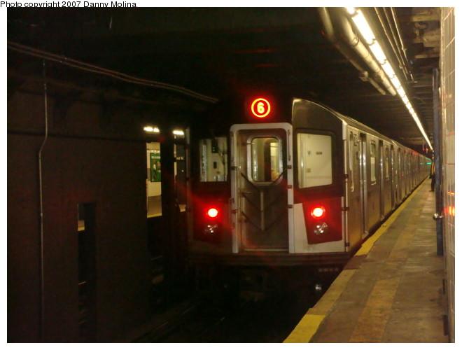(82k, 660x500)<br><b>Country:</b> United States<br><b>City:</b> New York<br><b>System:</b> New York City Transit<br><b>Line:</b> IRT East Side Line<br><b>Location:</b> 68th Street <br><b>Route:</b> 6<br><b>Car:</b> R-142A (Primary Order, Kawasaki, 1999-2002)  7425 <br><b>Photo by:</b> Danny Molina<br><b>Date:</b> 12/28/2007<br><b>Viewed (this week/total):</b> 1 / 3004