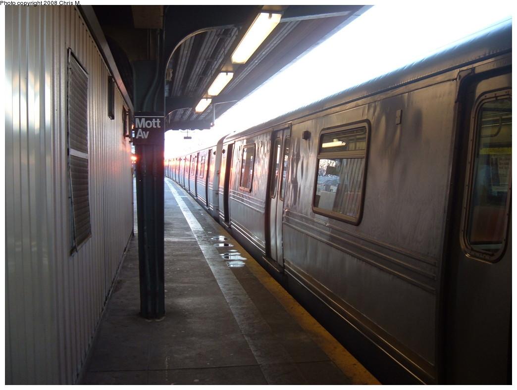 (183k, 1044x788)<br><b>Country:</b> United States<br><b>City:</b> New York<br><b>System:</b> New York City Transit<br><b>Line:</b> IND Rockaway<br><b>Location:</b> Mott Avenue/Far Rockaway <br><b>Route:</b> A<br><b>Car:</b> R-44 (St. Louis, 1971-73)  <br><b>Photo by:</b> Chris M.<br><b>Date:</b> 1/1/2008<br><b>Viewed (this week/total):</b> 0 / 1223