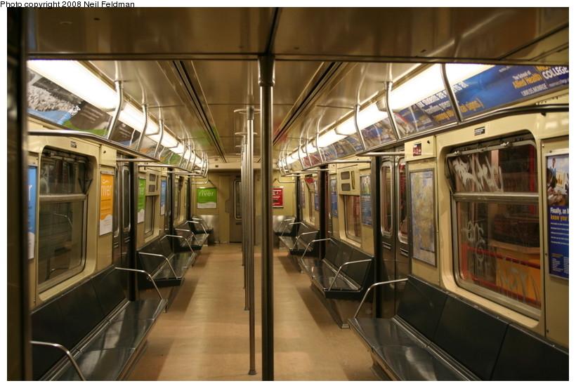 (147k, 820x553)<br><b>Country:</b> United States<br><b>City:</b> New York<br><b>System:</b> New York City Transit<br><b>Car:</b> R-40 (St. Louis, 1968)  4192 <br><b>Photo by:</b> Neil Feldman<br><b>Date:</b> 12/28/2007<br><b>Viewed (this week/total):</b> 3 / 1594