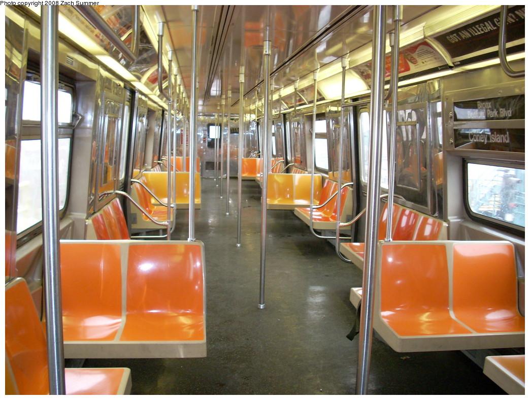 (273k, 1044x788)<br><b>Country:</b> United States<br><b>City:</b> New York<br><b>System:</b> New York City Transit<br><b>Route:</b> D<br><b>Car:</b> R-68 (Westinghouse-Amrail, 1986-1988)  2694 <br><b>Photo by:</b> Zach Summer<br><b>Date:</b> 12/13/2007<br><b>Viewed (this week/total):</b> 0 / 1350
