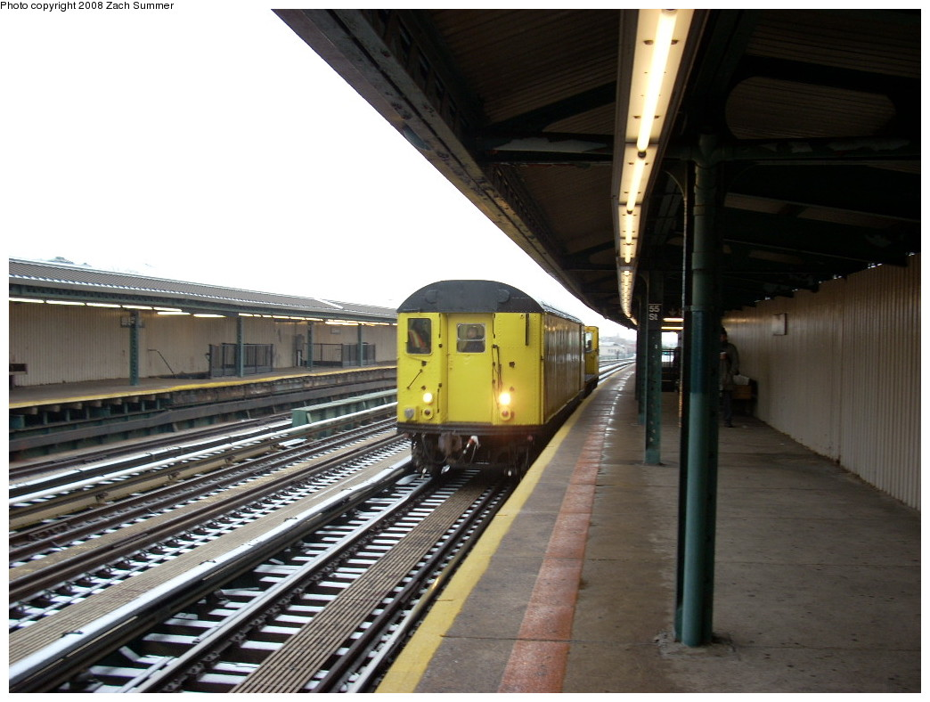 (231k, 1044x788)<br><b>Country:</b> United States<br><b>City:</b> New York<br><b>System:</b> New York City Transit<br><b>Line:</b> BMT West End Line<br><b>Location:</b> 55th Street <br><b>Route:</b> Work Service<br><b>Car:</b> R-71 Rider Car (R-17/R-21/R-22 Rebuilds)   <br><b>Photo by:</b> Zach Summer<br><b>Date:</b> 12/13/2007<br><b>Notes:</b> De-icer train.<br><b>Viewed (this week/total):</b> 0 / 1756