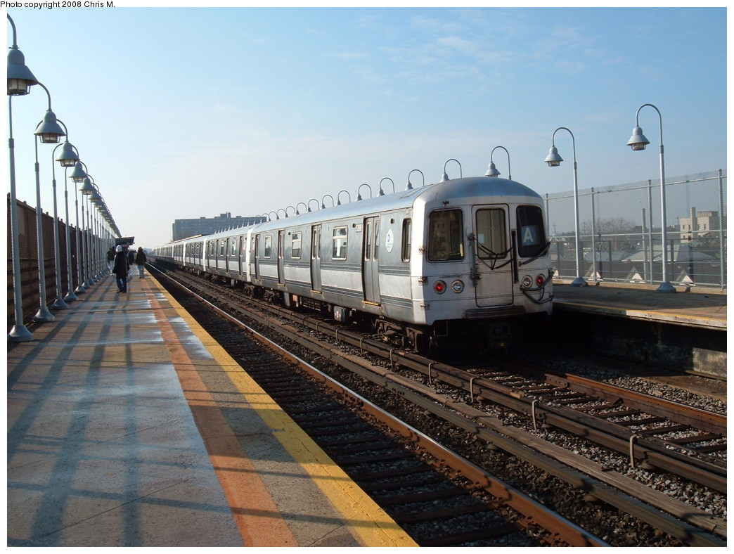 (228k, 1044x788)<br><b>Country:</b> United States<br><b>City:</b> New York<br><b>System:</b> New York City Transit<br><b>Line:</b> IND Rockaway<br><b>Location:</b> Beach 90th Street/Holland <br><b>Route:</b> A<br><b>Car:</b> R-44 (St. Louis, 1971-73) 5398 <br><b>Photo by:</b> Chris M.<br><b>Date:</b> 12/8/2007<br><b>Viewed (this week/total):</b> 3 / 1466