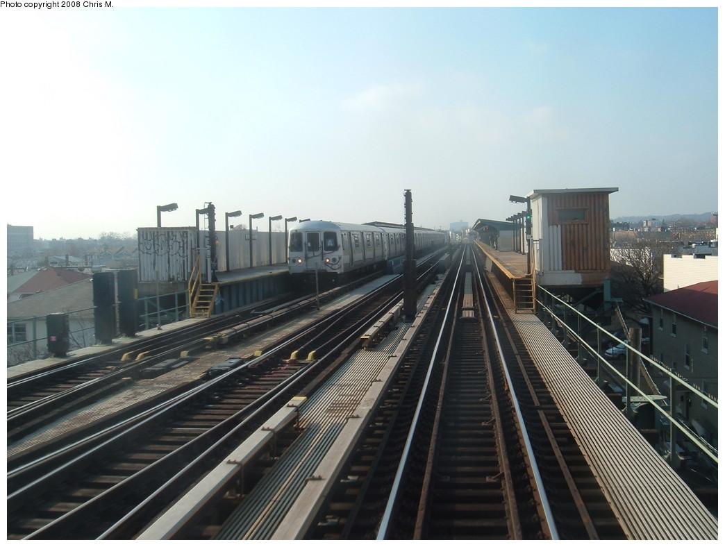 (195k, 1044x788)<br><b>Country:</b> United States<br><b>City:</b> New York<br><b>System:</b> New York City Transit<br><b>Line:</b> IND Fulton Street Line<br><b>Location:</b> 80th Street/Hudson Street <br><b>Route:</b> A<br><b>Car:</b> R-44 (St. Louis, 1971-73)  <br><b>Photo by:</b> Chris M.<br><b>Date:</b> 12/8/2007<br><b>Viewed (this week/total):</b> 0 / 1504